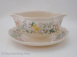 Stratford - Gravy Boat With Attached Stand